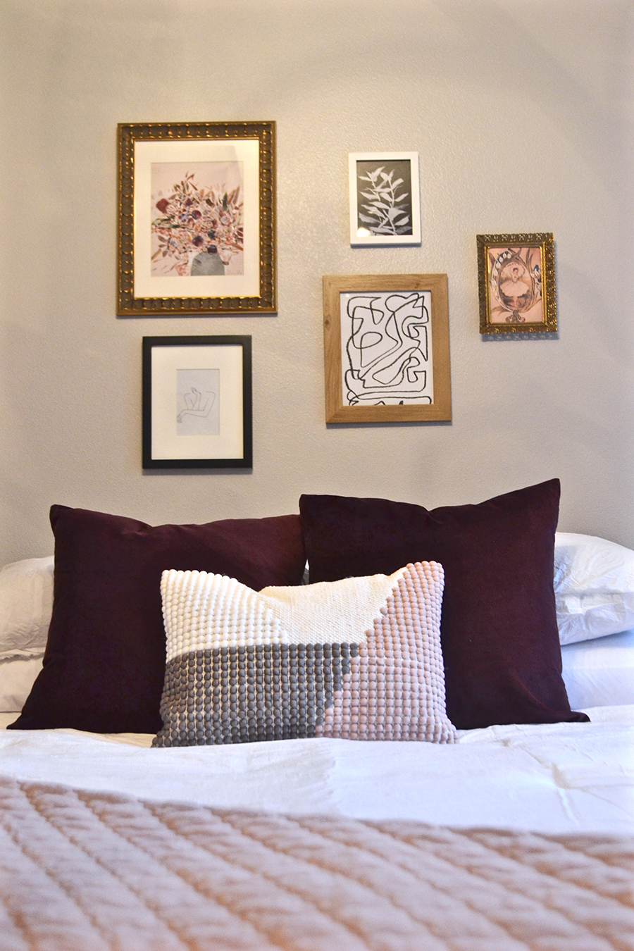 eclectic parisian bedroom, black and white, room design, gallery wall, blush pink, milennial pink, thrifted bedroom, etsy art, hm, target, world market, chalkboard art, vignette, bedroom reveal